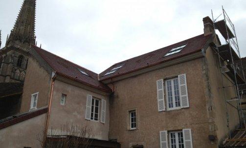Couverture à Autun